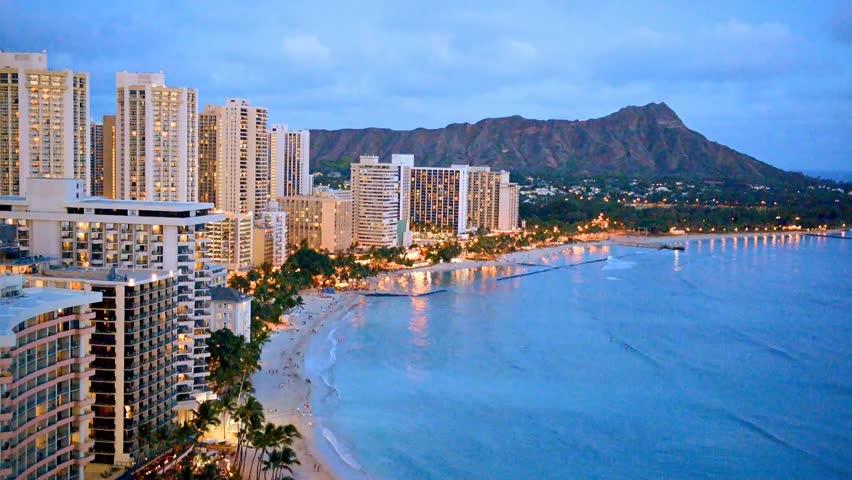 Waikiki Beach Wallpaper Hd: Стоковое видео «Night View On Honolulu City,» (абсолютно