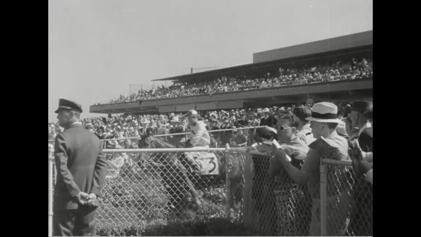 CIRCA 1930s - A 1939 horse race at Hollywood Park in California.