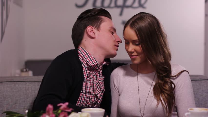 src=http://ak1.picdn.net/shutterstock/videos/9594911/thumb/8.jpg Suami, cuba goda isteri pada 10 titik sensitif ini, isteri pasti terangkat!